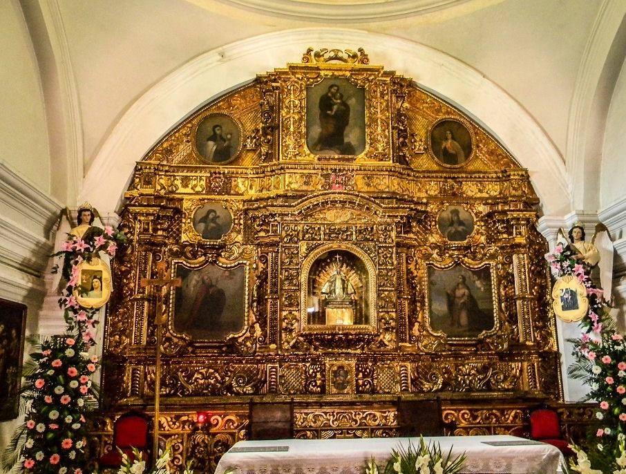 Altar-mayor-de-la-Iglesia-del-Cerrito-del-Carmen